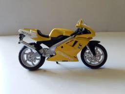 Miniaturas Motocicletas Esportivas 12 Modelos para Colecionadores.