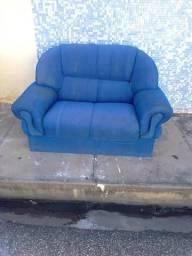 Vendo um sofá usado