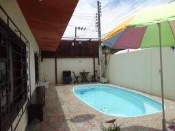 Casa com piscina em Itapema, em lugar tranquilo, p/ descansar!