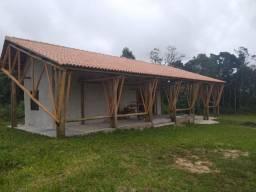 Velleda oferece Sítio 2ha em cond., casa estilo rústico, piscina, exclusivo