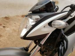 Carenagem do farol Yamaha Fazer 150 Lad Esq
