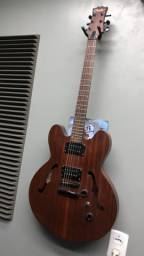 Guitarra Condor em perfeito estado