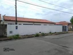 Casa com 2 dormitórios para alugar, 60 m² por R$ 950,00/mês - Loteamento Remanso Campineir