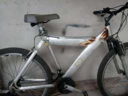 Bicicleta em alumínio aro 26