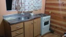 Aluga-se Kitnete Mobiliada (Para homem sozinho), Costa e Silva, Rua Landmann nº99 - R$700