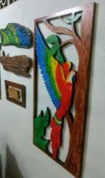 Escultura de Madeira pintado a mão