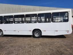 Ônibus revisados, prontos para uso