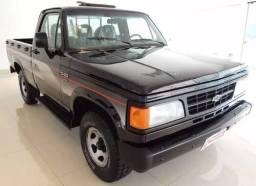 Vende-se Camionete D20