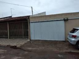 Casa de frente com 02 quartos - QNM 17 Ceilândia Centro (sul)