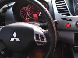 Carro Triton L200