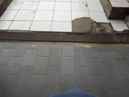 Calha de chão. Usado