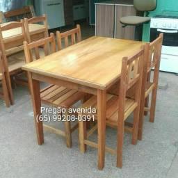 Jogo de mesa 4 cadeiras de madeira (novo)