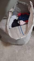 Sacolão de roupas pra bazar 300 peças