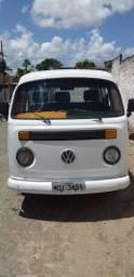 Kombi conservada para trocar e vender