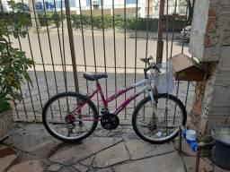 Bicicleta pouco usada por 300,00