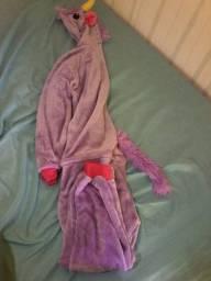 Pijama de corpo inteiro de unicórnio
