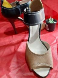 Sandália tira no tornozelo