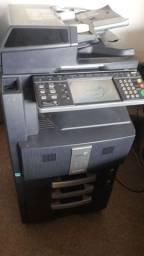 Excelente impressora Kyocera Colorida funcionando