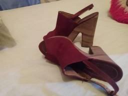 Vendo uma sandália Vizzano vermelha
