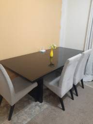 Linda mesa de sala de jantar!