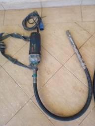 Vibrador Bosch 220v com mangote 1,5m