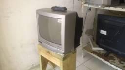 Televisão Panasonic 14 Polegadas, com garantia de 30 dias e controle