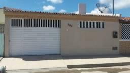 Vendo excelente casa no conjunto Eduardo Gomes, bairro Rosa Elze