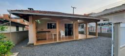 Excelente casa no Balneário Enseada com 3 quartos com ar condicionado