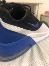 Nike Air Motion 2 - Prateleira
