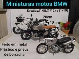 Miniatura de moto BMW  em metal