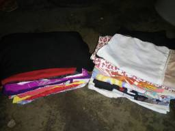 Lote de roupas usadas para bazar