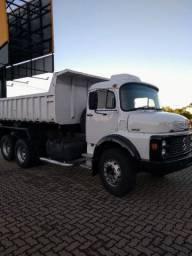 Caminhão caçamba 1518