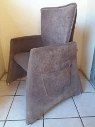 02 Cadeiras Possuem Porta Revistas Na Lateral, Novinhas. As 02 por R$440,00