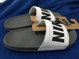 Chinelo Nike offcourt