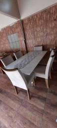 Vende-se uma mesa de 6 lugares