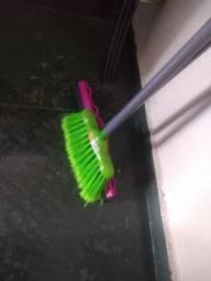 Kit de limpeza - Vassoura , Rodo e pano de microfibra