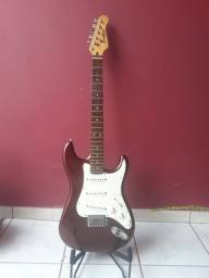 Guitarra top e barata