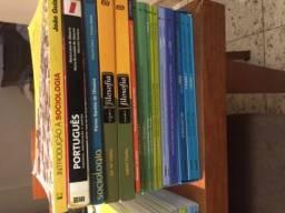 Livros semi novos 3 ano Colégio Maximus