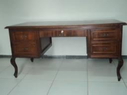 Mesa estilo Vitoriano lindissima