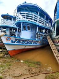 Embarcação a venda