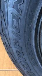Pneus scorpion Pirelli 265/65/17 novo