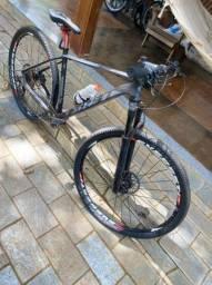 V - bike MTB novinha toda Shimano com rodas Everest possuo a nota fiscal