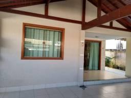 M - Excelente casa linear no Flamboyant com 2 quartos + um reversível