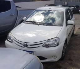 Toyota Etios hatch X 14/14 completo