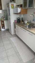 Armarios de cozinha e pedra de marmore