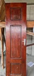 Porta em madeira macacauba