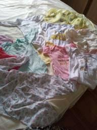 Semi novo lençóis p berço 3 bory vestidinhos  pijama