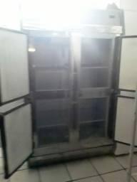 Câmara fria 4 portas,só refrigera.
