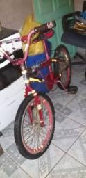Vendo uma bicicleta cross