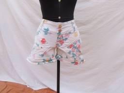 Short Jeans Floral Branco - Tam 36